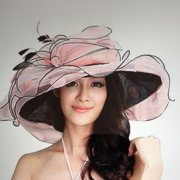 June's Young Pink/Black Hat